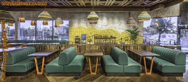 Lüks Modern Cafe Tasarımı Sedir Koltuklar Ağaç Masalar
