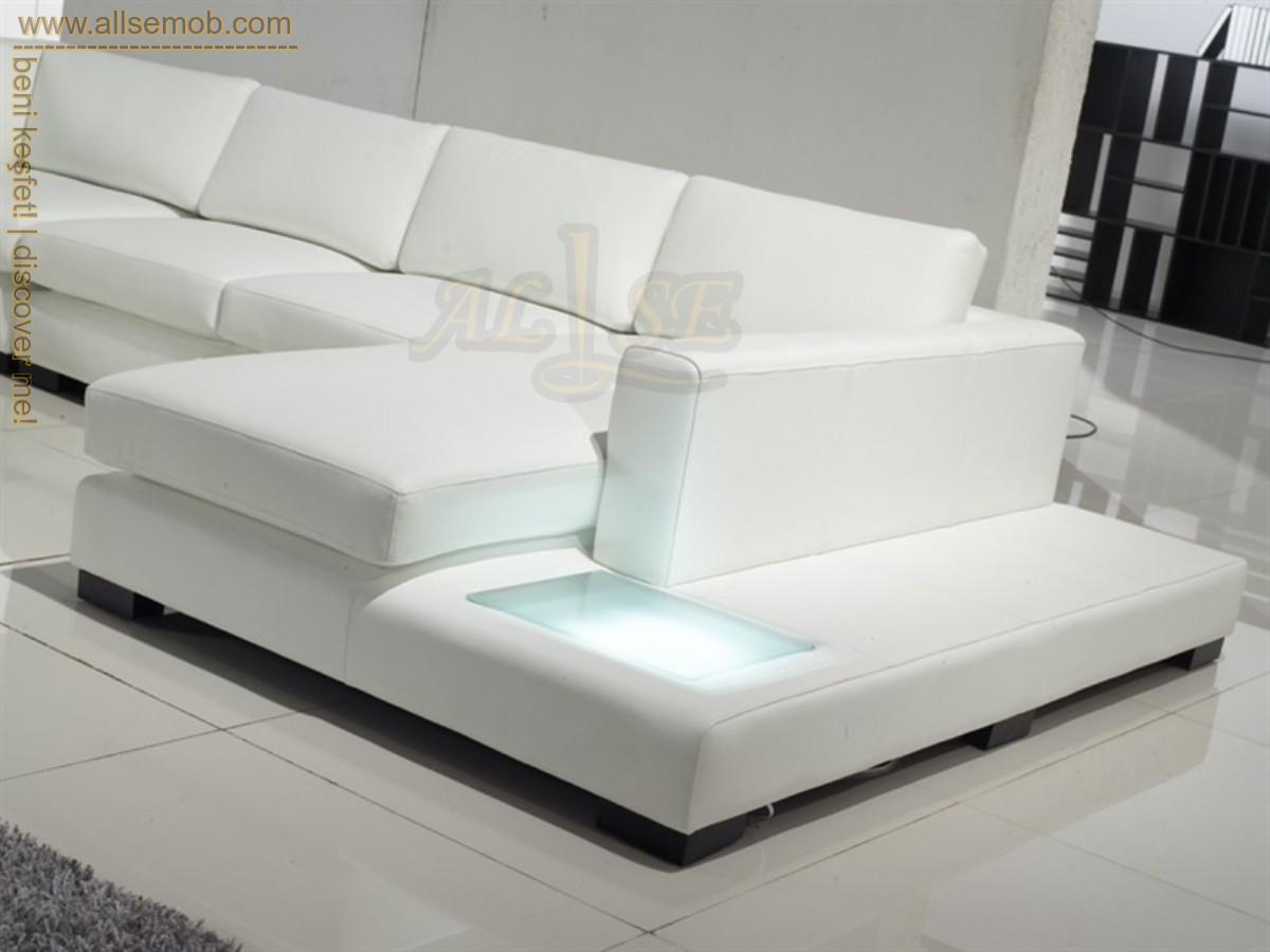 Işıklı Salon Köşe Takımı Modern Lüks Köşe Takımları Beyaz Renkli