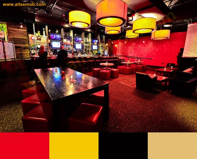 Renkli Restoran İç Tasarımı Koltuklar Puflar Masalar Lüks Dekorasyon